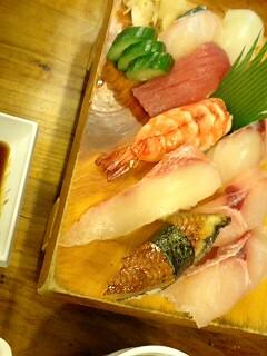 沖縄の寿司とアイス